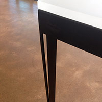 Stiletto Leg Steel with PlexiglassTop